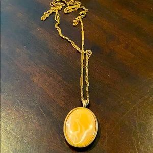 Reversible Pendant on chain on